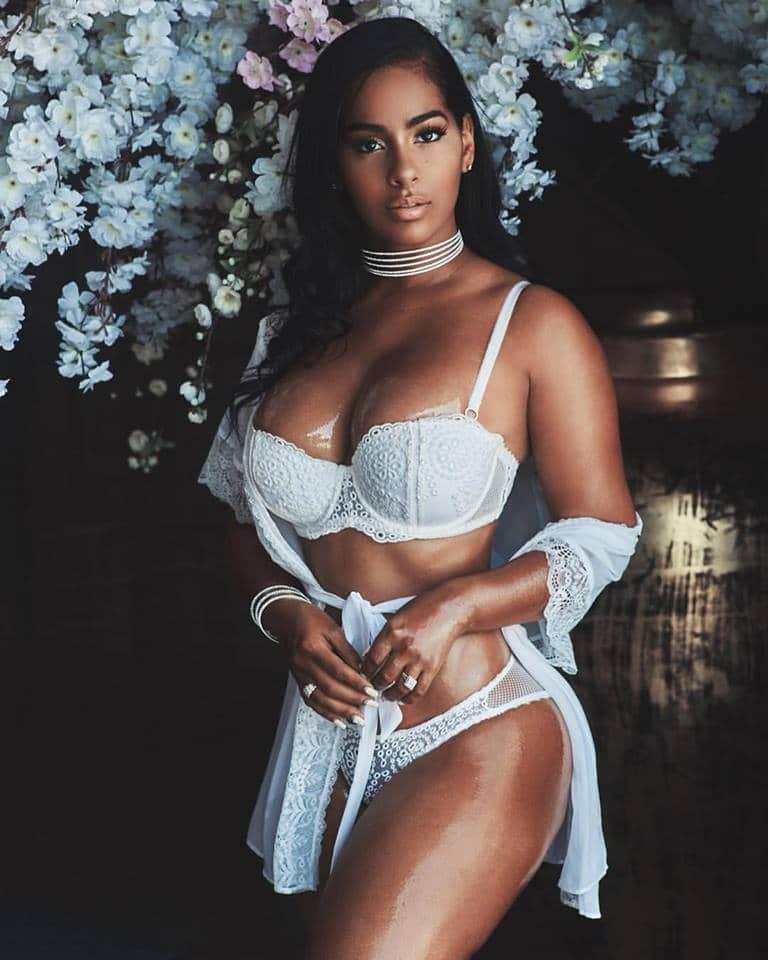 Ayisha Diaz xxx