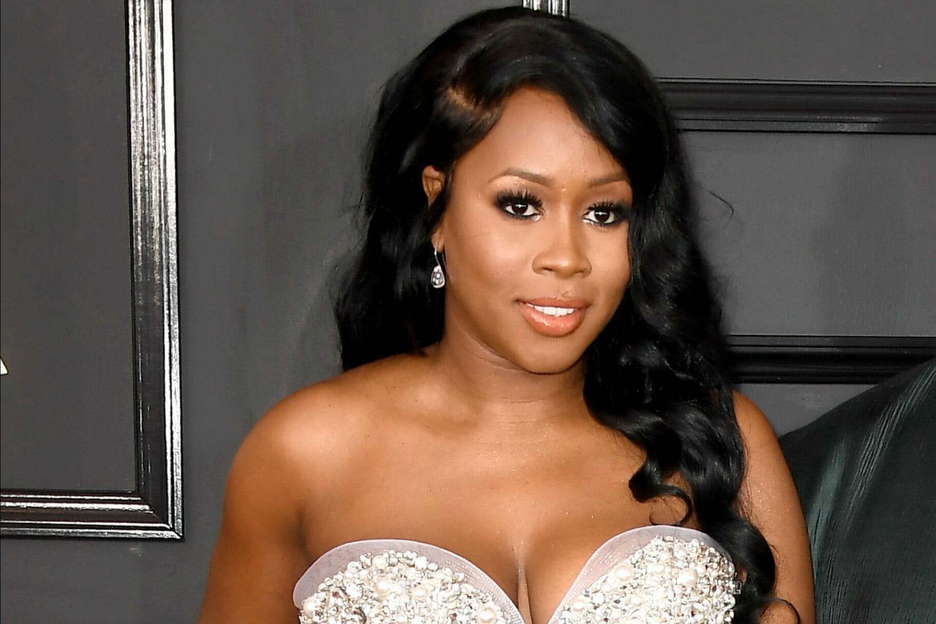 Ebony Hoodrat 43