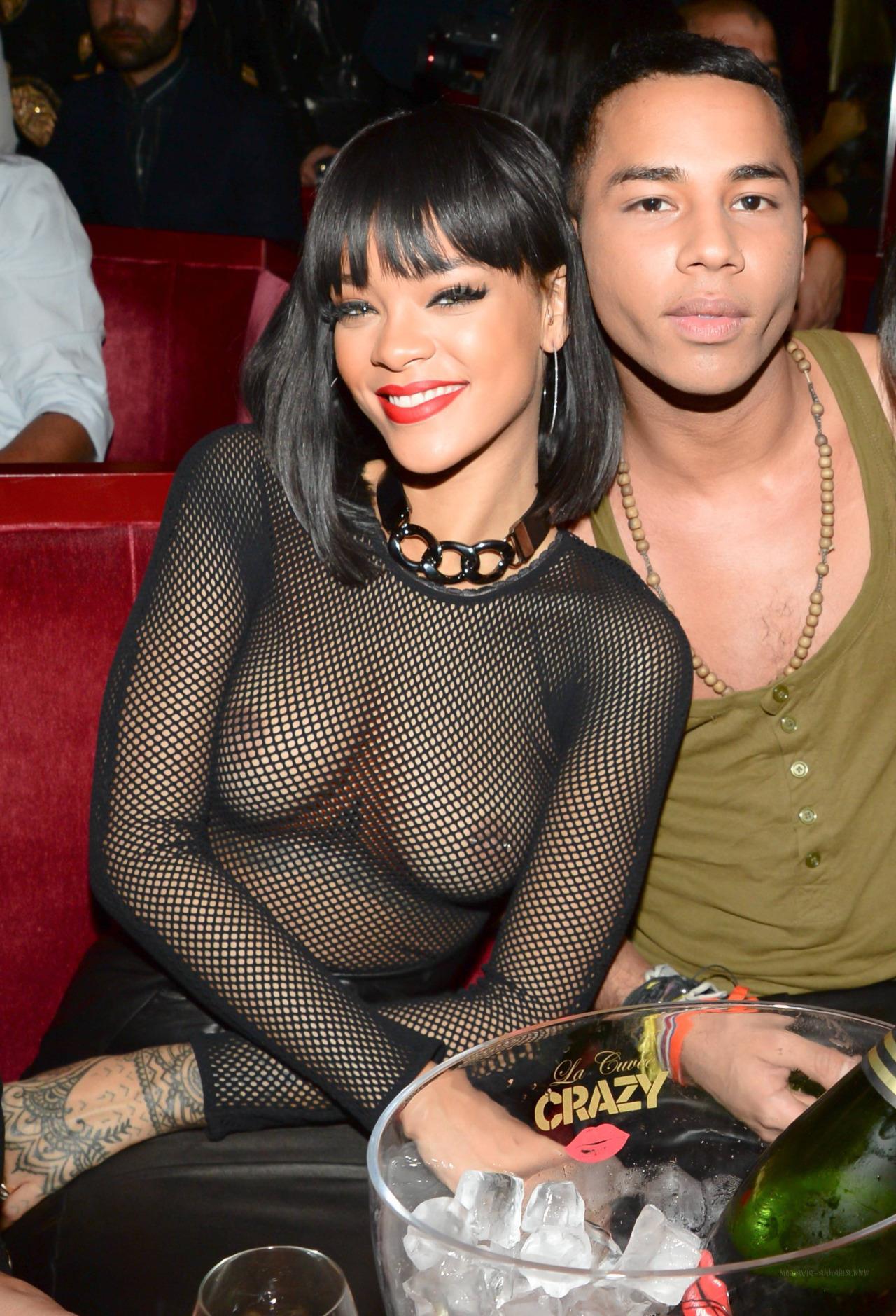 Rihanna sexy leaks