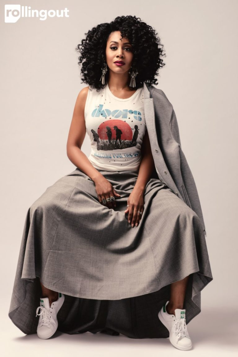 Simone Missick legs open for rollingout