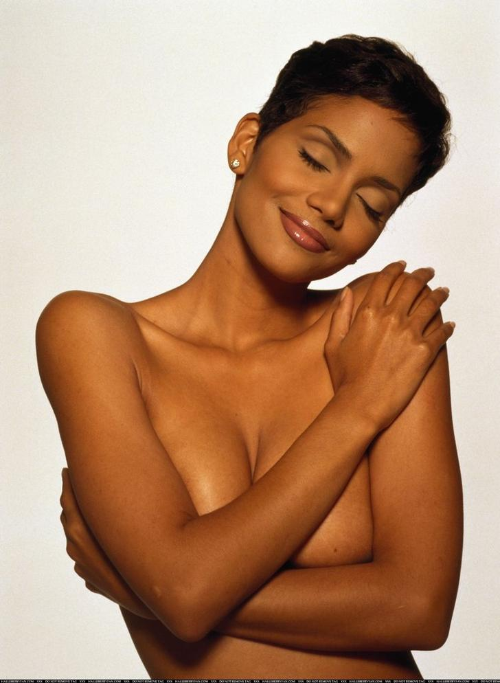 Leaked Halle Berry Nude Pics Exposed *EXCLUSIVE* Halle Berry