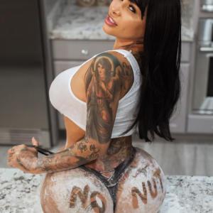 Brittanya Razavi sexy leaks