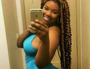Ravie Loso sexy selfie