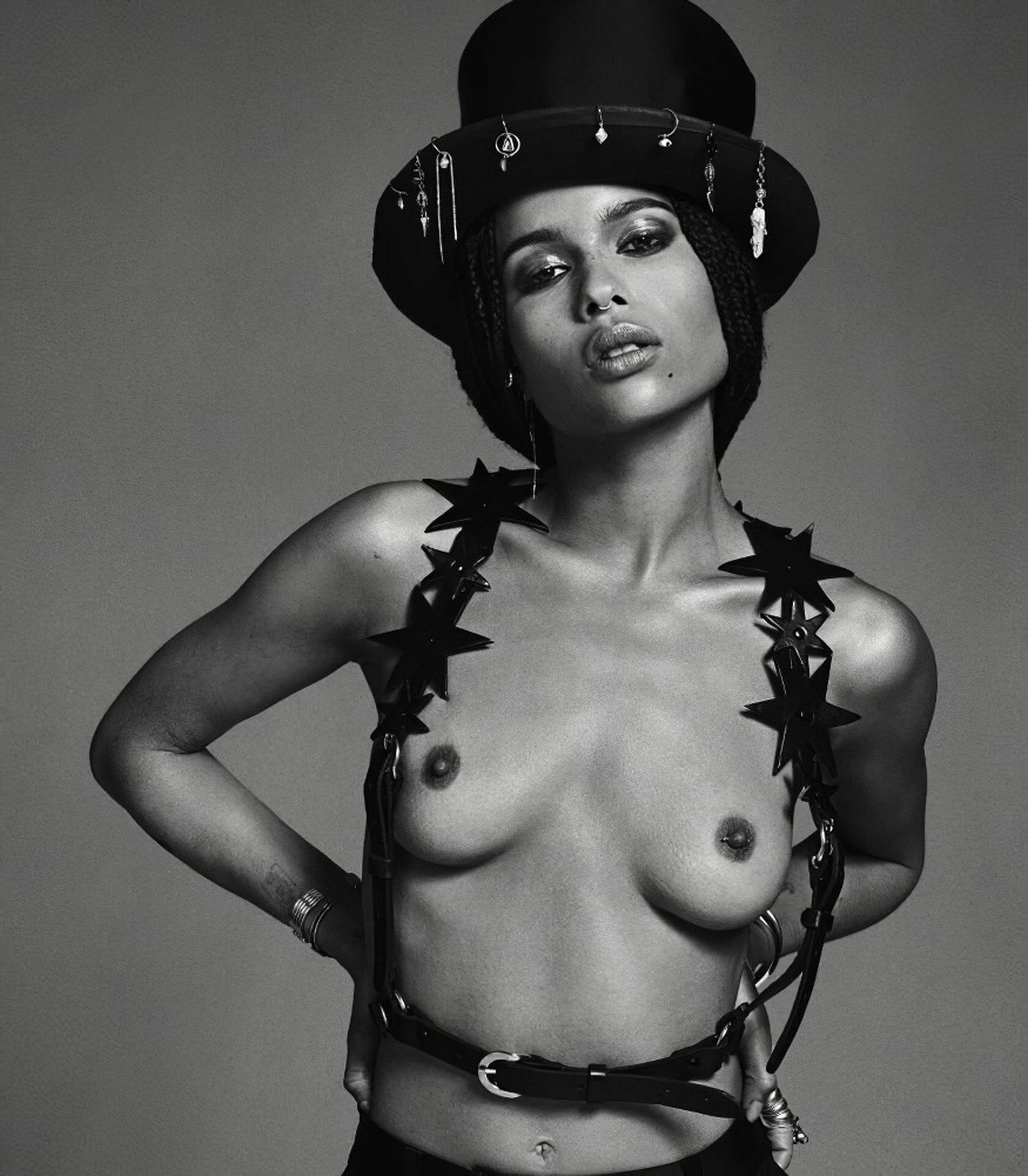 Zoë Kravitz topless photo